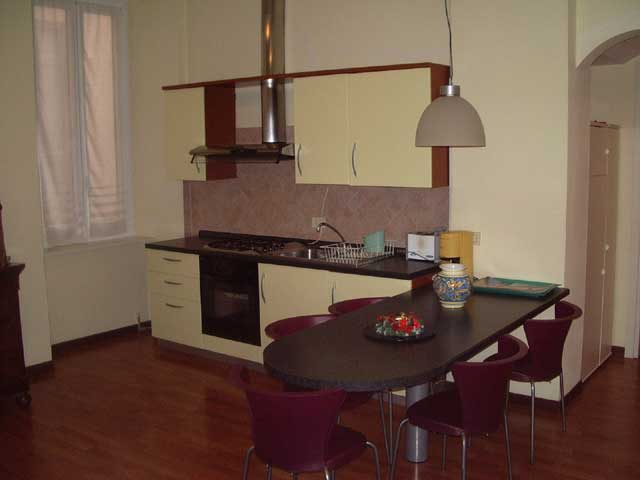 Properties accommodation self catering lake como italy holiday rentals vacation apartment from for Cost to clean 2 bedroom apartment